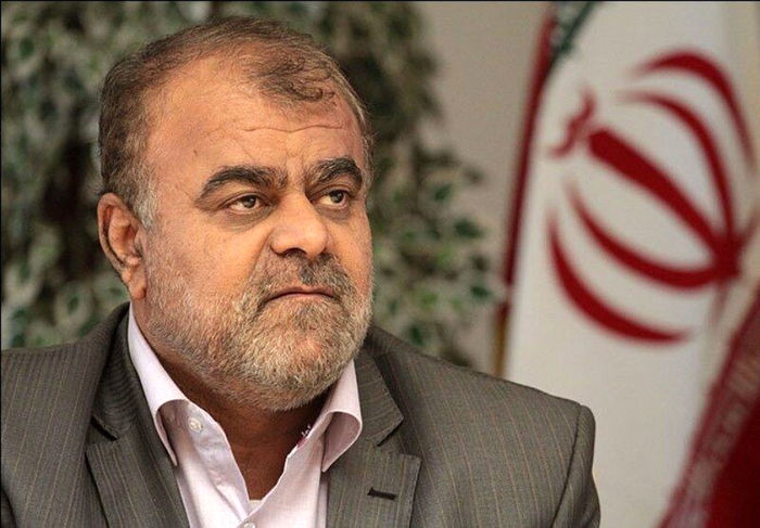 مانند احمدی نژاد عمل میکنم