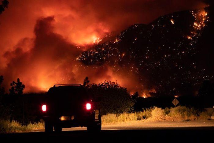 آتش سوزی بیسابقه بخشی از کانادا را تخلیه کرد