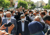قاضی زاده هاشمی با همراهی دخترش در انتخابات ثبت نام کرد + عکس و فیلم