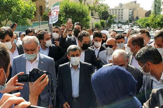 تهدید احمدی نژاد در صورت رد صلاحیت شدنش در انتخابات