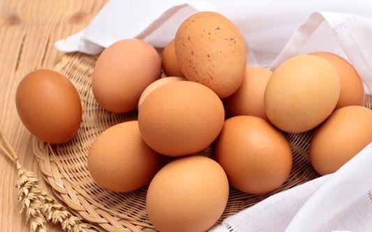 قیمت تخم مرغ در بازار امروز (۹۹/۰۷/۱۵) + جدول