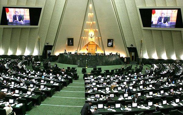 از ادعای نماینده زن علیه هیئت رئیسه مجلس تا درگیری با سرباز راهور