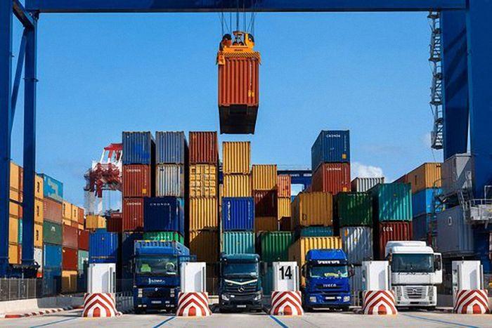 ارزش صادرات صنایع معدنی چقدر است؟