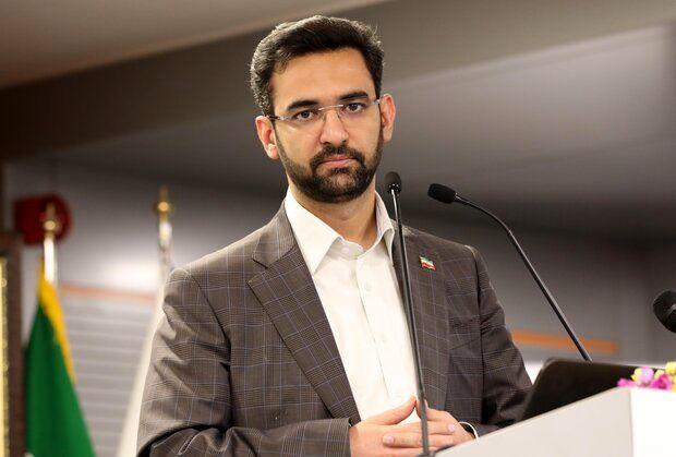 حمله تند مربی استقلال به وزیر ارتباطات