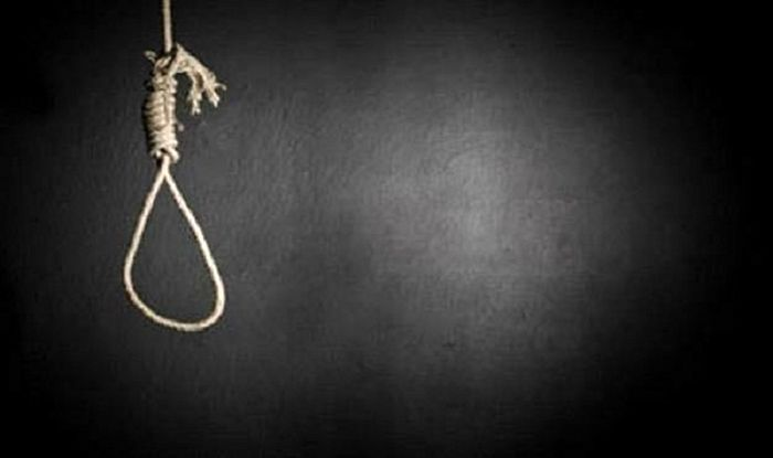 پاره شدن طناب دار از گردن قاتل در گلستان