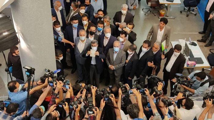 سنگ تمام صداوسیما برای احمدی نژاد!