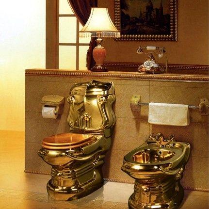این دستشویی از طلا ست!
