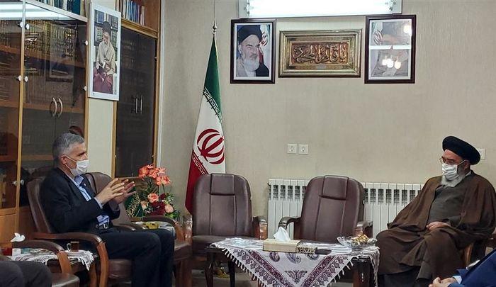 درج عنوان ساخت ایران بر ریل ذوب آهن غرور آفرین است