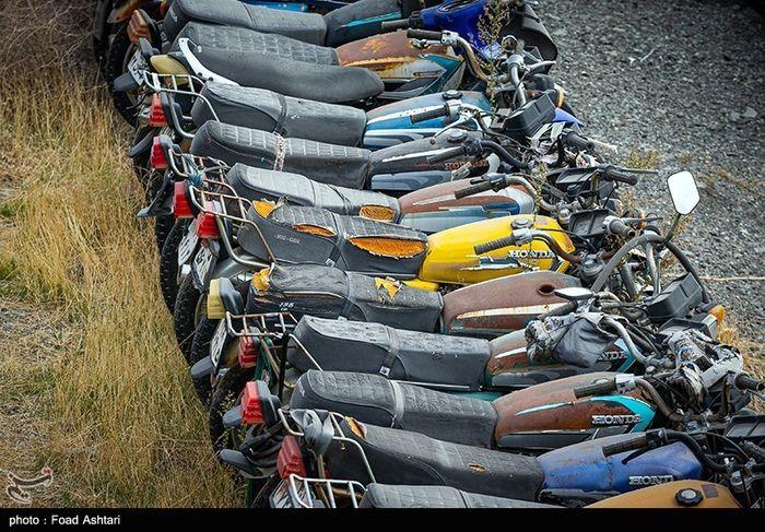 تصاویر / رسوب موتورسیکلت در پارکینگهای تهران