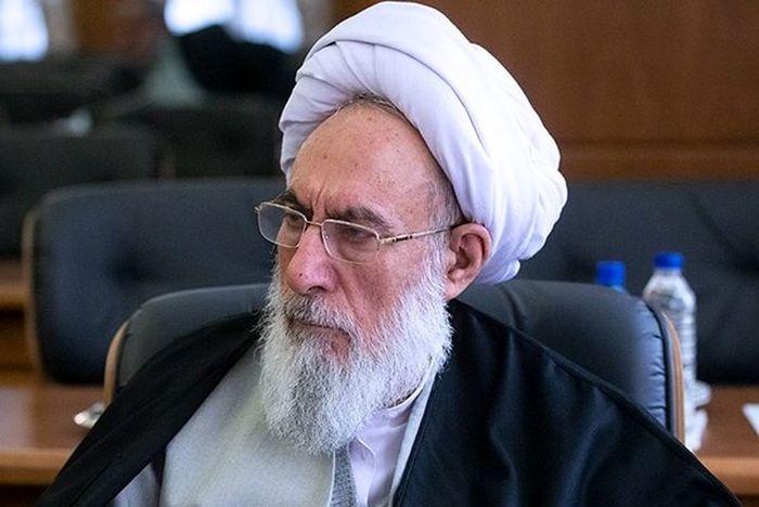 ایرانی نباید سوار ماشین خارجی شود