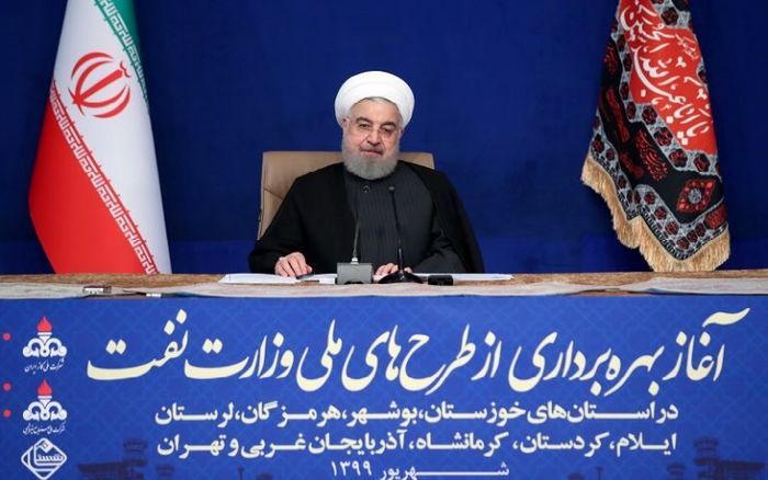 روحانی: حضور در مدرسه هیچ جایگزینی ندارد