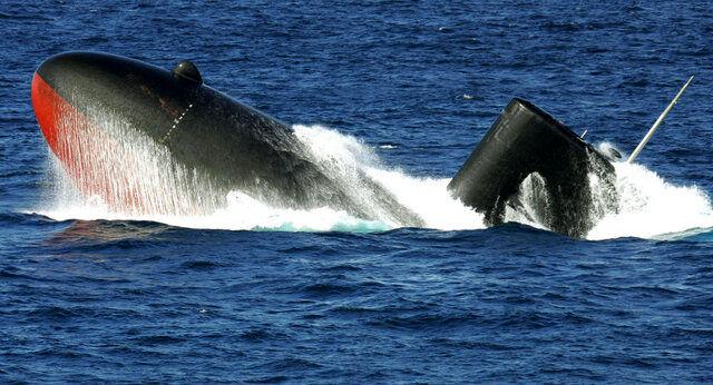 زیردریایی ارتش اندونزی با ۵۳ سرنشین غیب شد!