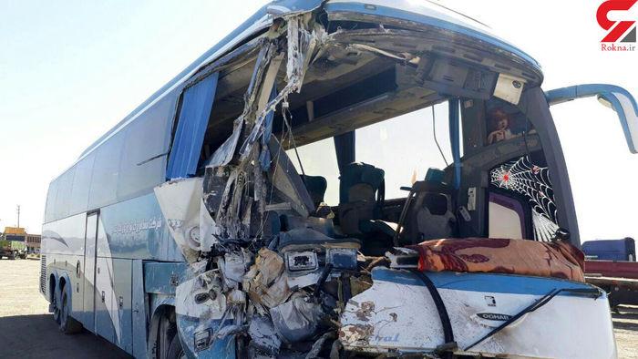 تصادف اتوبوس حامل کارگران با تانکر سوخت!+عکس