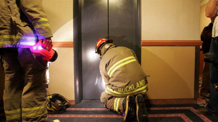 دردسرهای قطعی برق برای آسانسورها