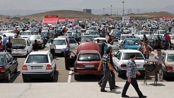 وضعیت عجیب بازار خودرو در شب عید