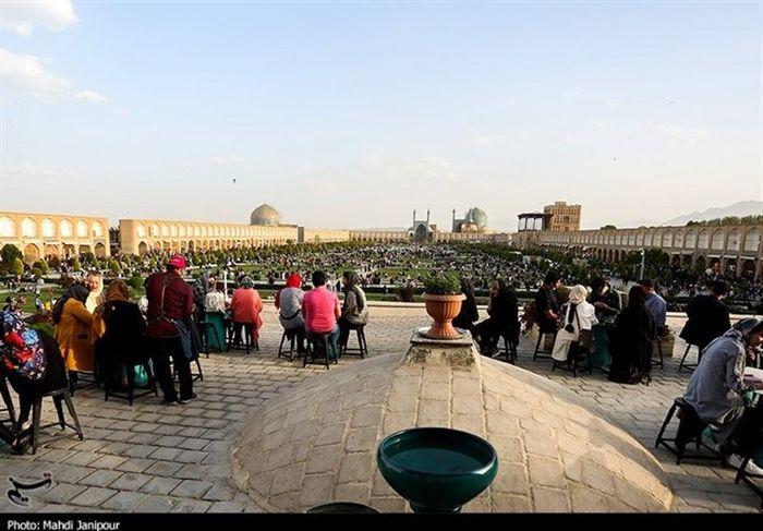 کانون کرونا در نقش جهان اصفهان+تصاویر