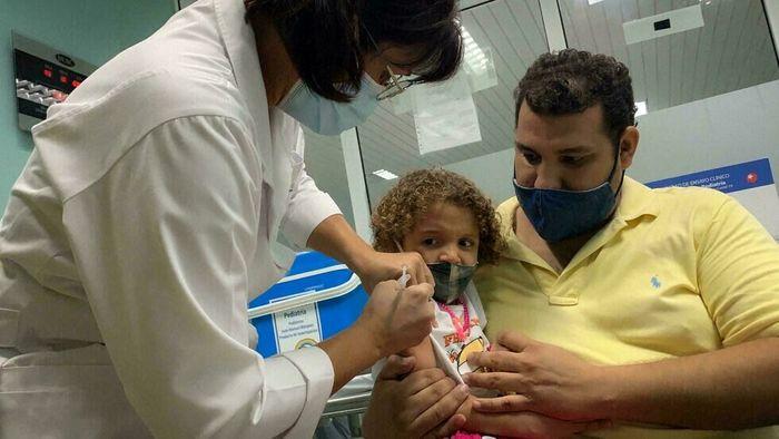 این کشور پیشتاز تزریق واکسن کرونا در کودکان است