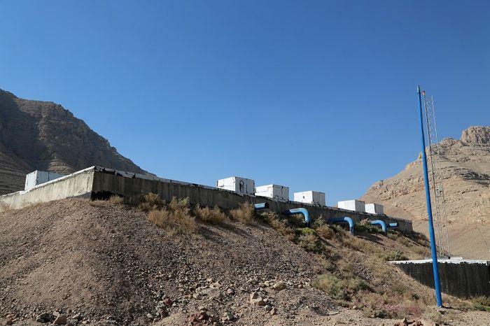 شناسایی چندین انشعاب آب غیر مجاز در این منطقه از اصفهان